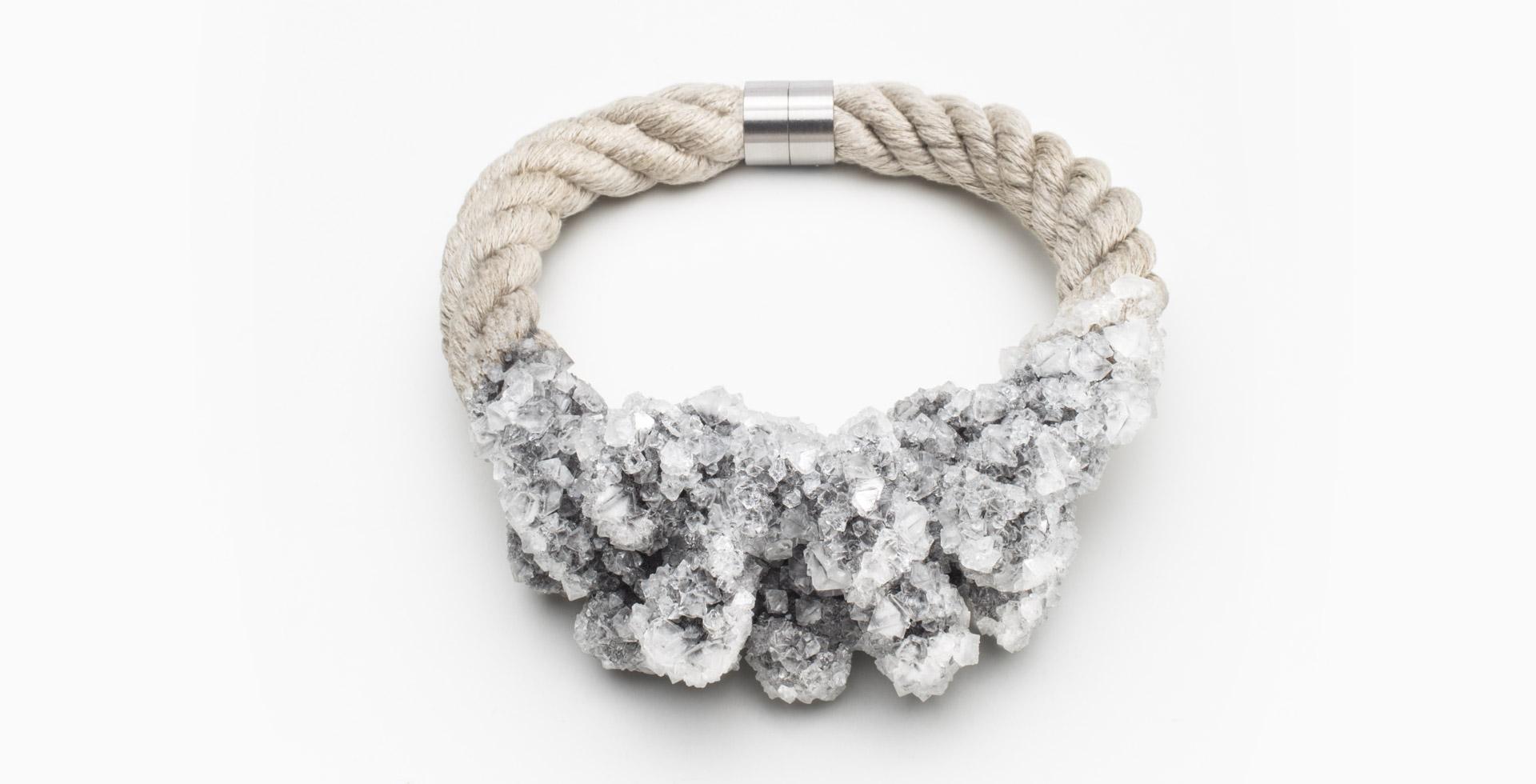 Šperk z kolekce Virus